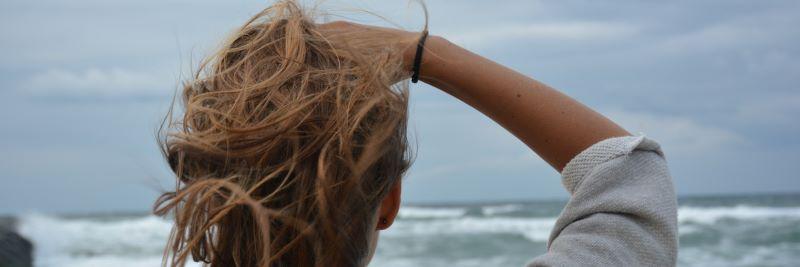 Mädchen mit Haarausfall