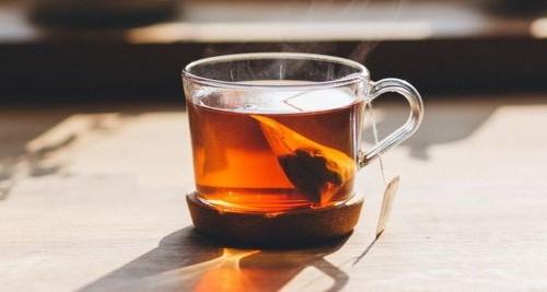 Mangan: Tee